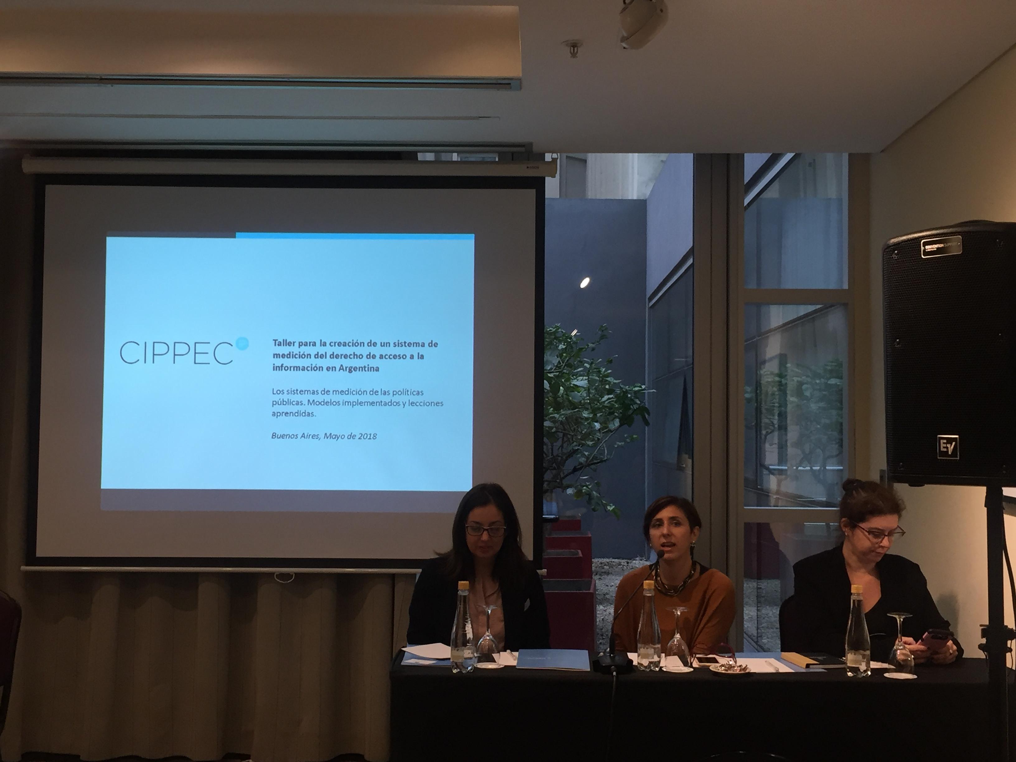 """Natalia Aquilino (CIPPEC) participando del """"Taller para la creación de un sistema de medición del derecho de acceso a la información en Argentina"""""""