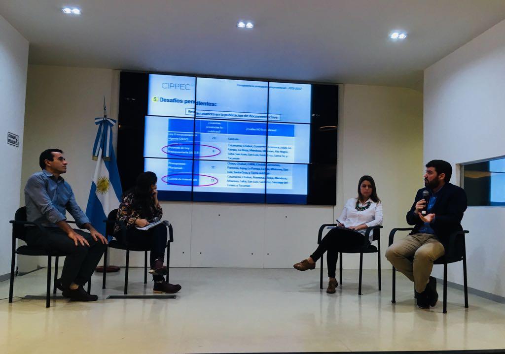 """Pablo Carreras Mayer (CIPPEC), en la exposición sobre transparencia presupuestaria en el marco del Ciclo """"Inspira"""""""