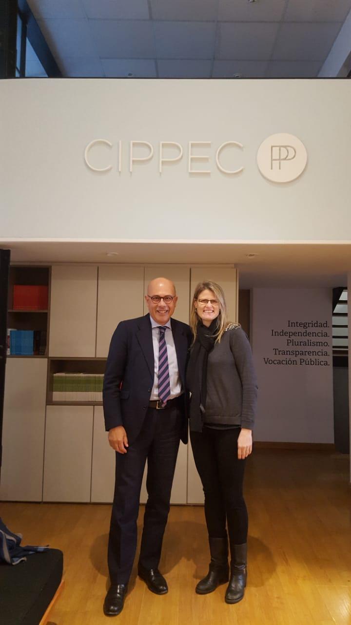 Francesc Pedró, especialista en política educativa de la UNESCO en París, junto a Alejandra Cardini, directora del programa de Educación de CIPPEC