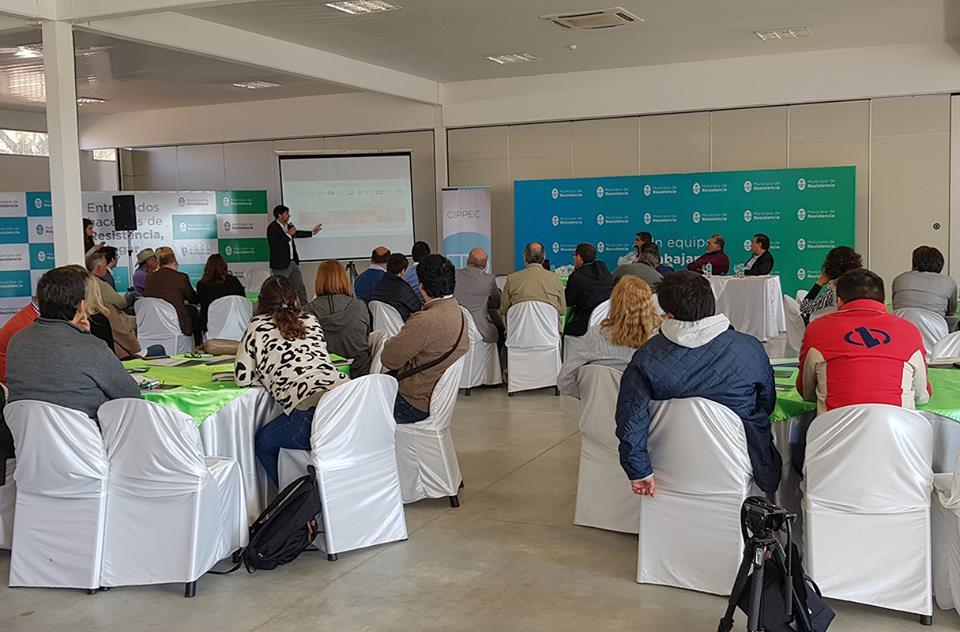 Representantes del programa de Ciudades de CIPPEC, en la presentación del proyecto de Desarrollo Integral de Ciudades en el área metropolitana de Resistencia.