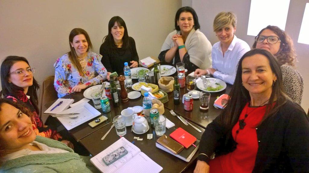 Gala Díaz Langou, directora del programa de Protección Social de CIPPEC, junto a colegas en la reunión del Consejo Asesor del Observatorio de Políticas de Género del Senado bonaerense