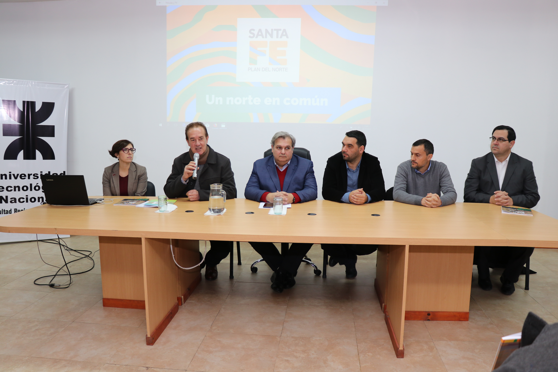 Mesa de presentación del monitoreo del Plan del Norte de CIPPEC
