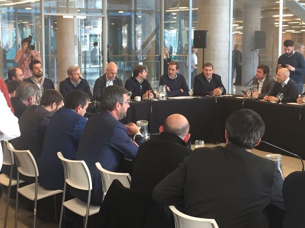 Mesa de trabajo del Encuentro Federal de Ciudades Argentinas, donde Gabriel Lanfranchi (CIPPEC) estuvo presente