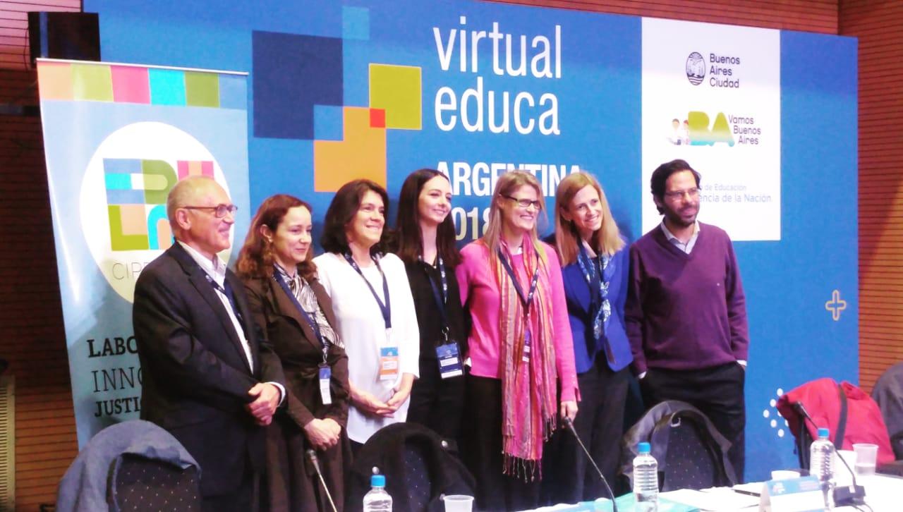 """CIPPEC en la presentación del libro """"Puentes al futuro de la educación: recomendaciones de política para la era digital"""""""